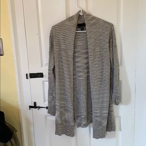 Grey sweater with light sparkle